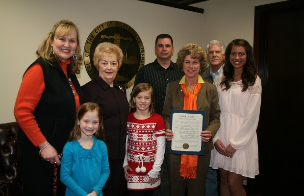 Mayor proclaims March 7 as MS Awareness Day in Clarksville
