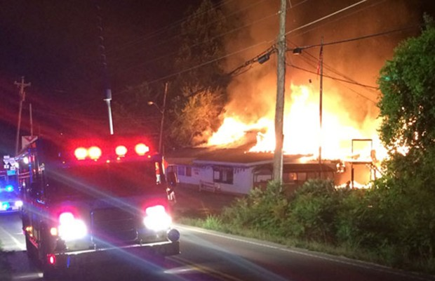 Fire destroys restaurant, apartments in Ashland City