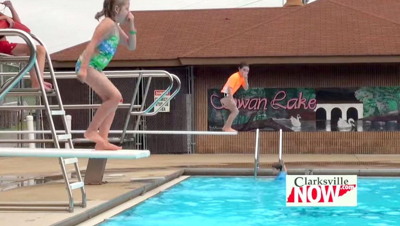 Video Outdoor Pool Season To End Soon