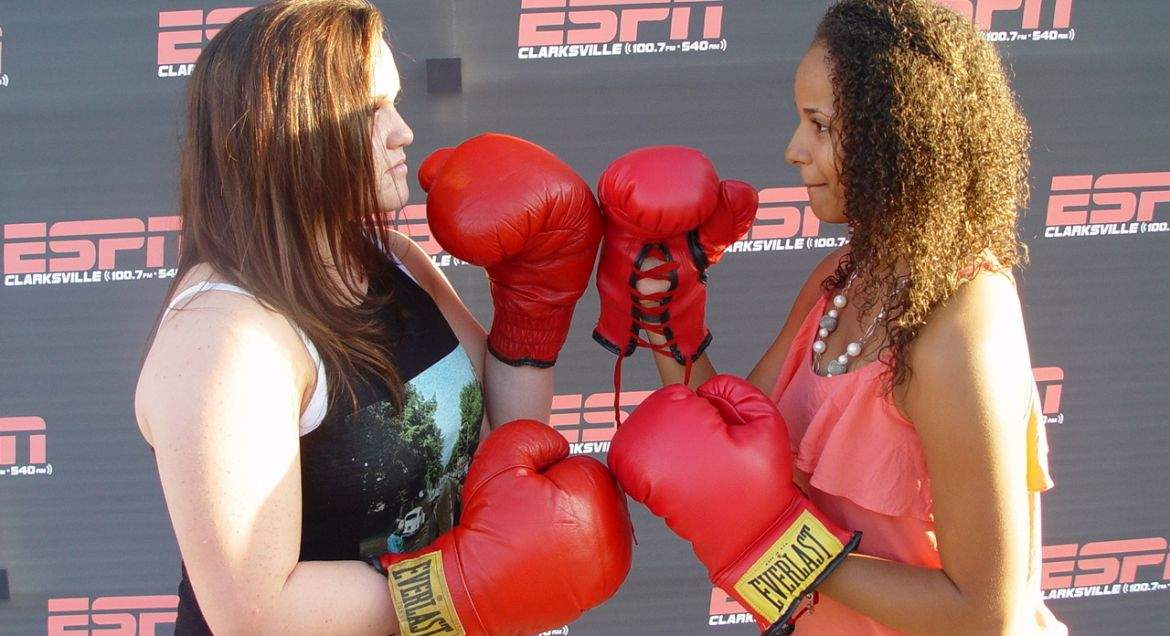 Fight watch party at buffalo wild wings ronda rousey fight 18