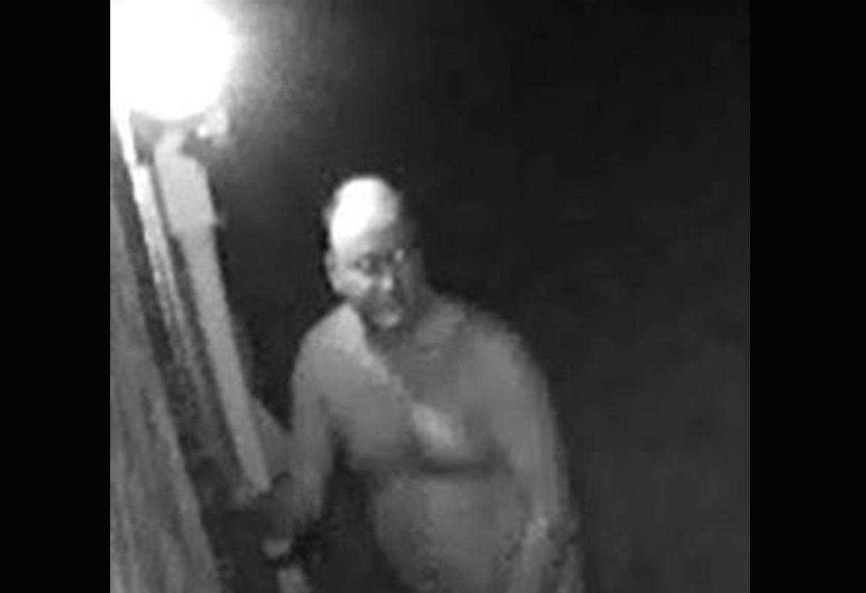 naked-burglar-4
