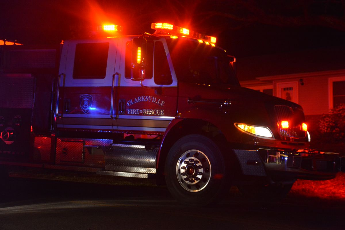 clarksville fire rescue truck lights night