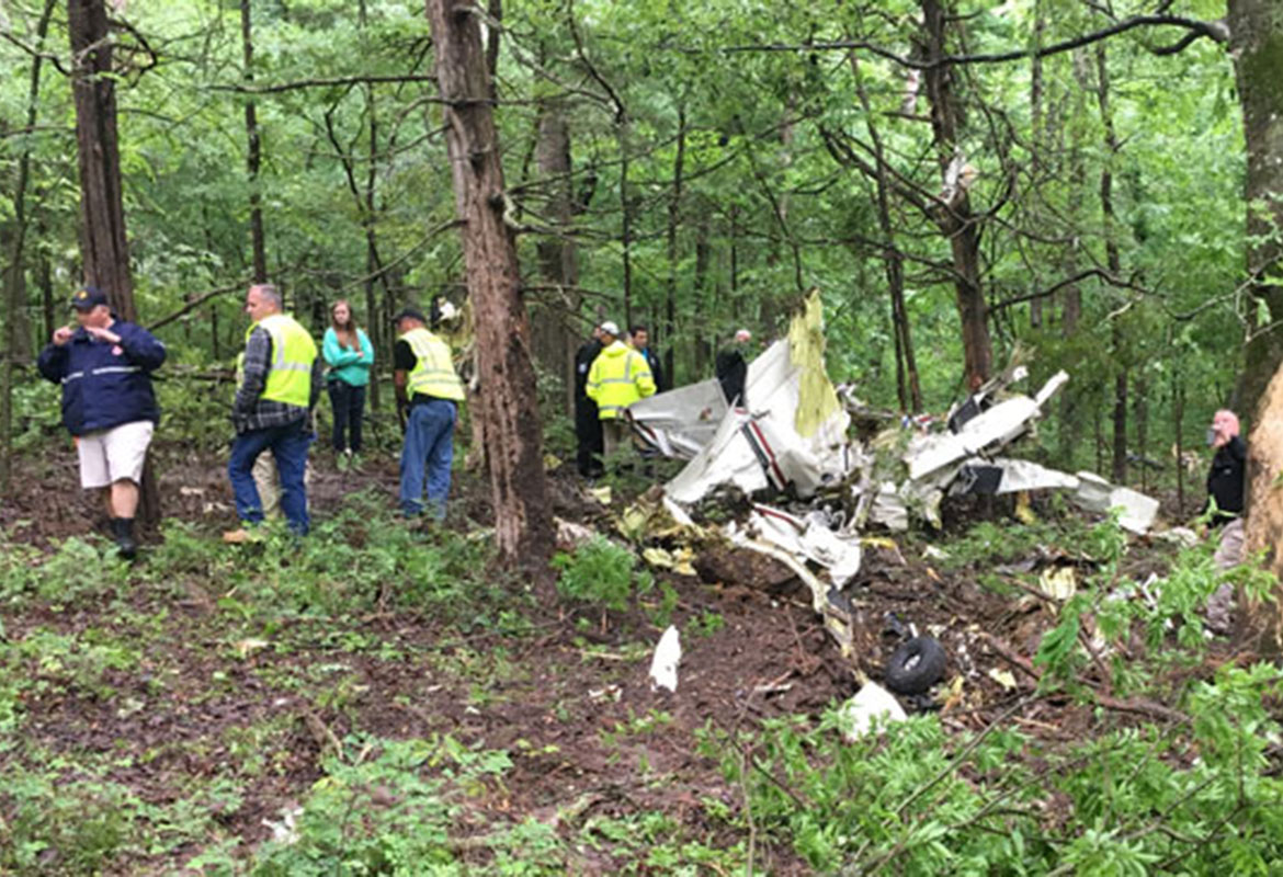 Remains removed from site of southern Kentucky plane crash